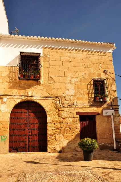 Alhama de Granada ist nicht #Granada, aber auch sehr schön. http://www.ferienwohnungen-spanien.de/Alhama-de-Granada/artikel/alhama-de-granada-andalusien
