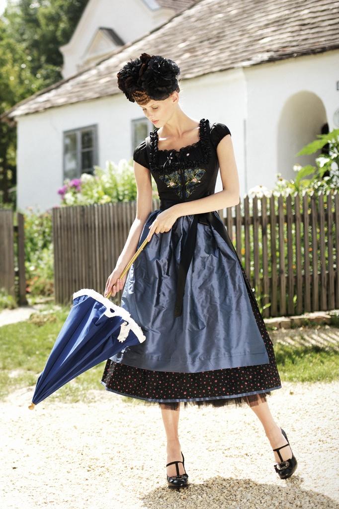 Glam, gorgeous, and soooo covetable! #dirndl #dress #German #folk #costume #blue #black