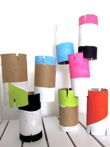 Jugar con cartón. Reciclar rollos de papel higiénico.