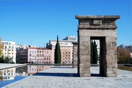 Romantic things to do in Madrid http://thingstodo.viator.com/madrid/romantic-things-to-do-in-madrid/