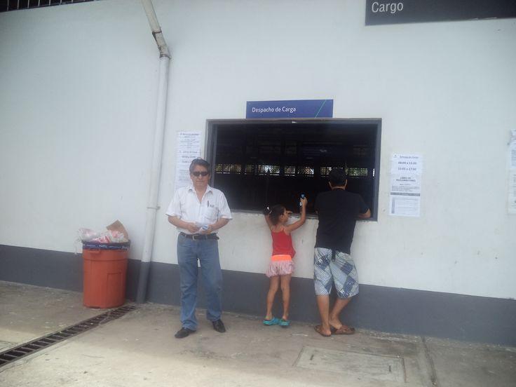 Aeropuerto de Iquitos, seccion carga, Iquitos, Loreto, PERU. Importante area de servicios logisticos, que requiere ser modernizada con los instrumentos tecnologicos necesarios, que sistematicen tiempos y costos.
