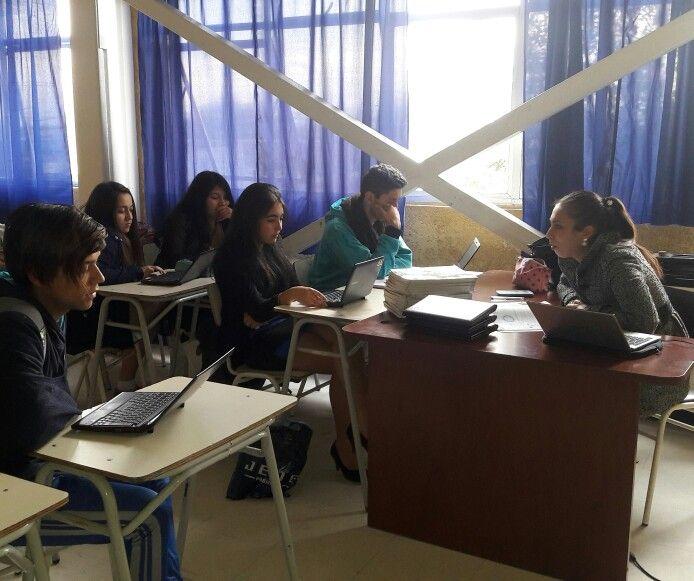 En el taller de PSU Ciencias de #CDSPolivalente se refuerzan contenidos y también se asesora a sus integrantes.