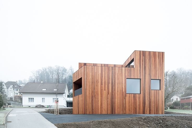 attika mit alpenblick wohnhaus mit holzfassade bei aarau. Black Bedroom Furniture Sets. Home Design Ideas