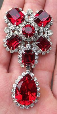 //GORGEOUS VINTAGE KRAMER OF NEW YORK LADIES LARGE RUBY RED RHINESTONE BROOCH