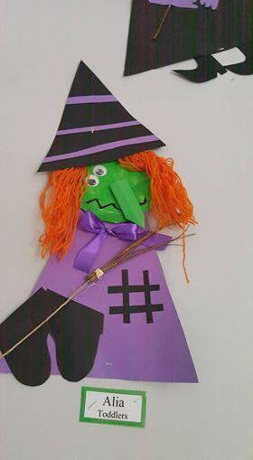 Ilona+Nyeki  Készülődés+Halloweenre            Szellem+és+a+pókok+a+gyerekek+kézlenyomatából+készült                      Boszorkányok