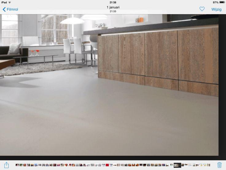 Gietvloer keuken: mooie warme kleur. Idee zou kunnen zijn om aan woonkamer kant van het kookeiland te werken met visgraatparket en keukenkant een gietvloer die ook doorloopt met speelkamer