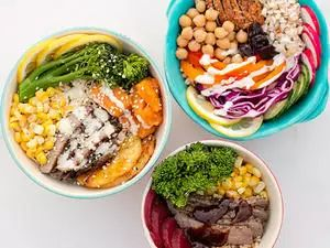 Ditch your boring sandwich or salad, and try a healthy lunch bowl that is filling, balanced, and nutritious instead. Lunch bowls are quick and simple to make--no recipe is required. Simply use your imagination to combine hearty ingredients into a bowl.