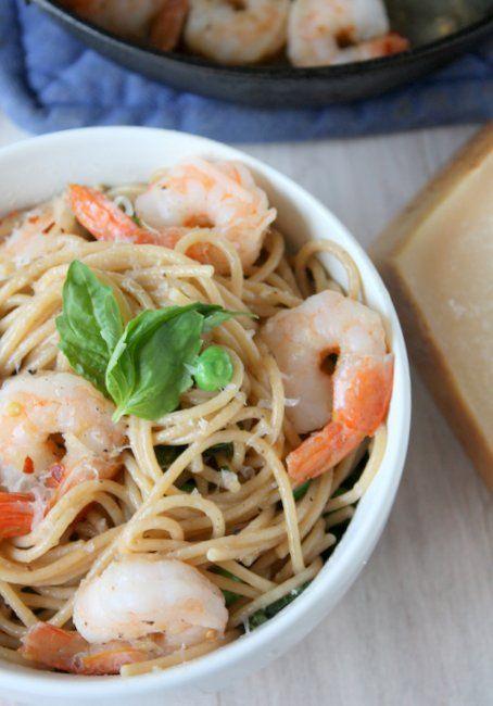 Pasta With Shrimp, Garlic, and Parmesan