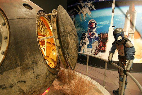 https://www.fijnuit.nl/blog/space-expo-noordwijk-populairder-dan-ooit-tevoren Mede dankzij de originele ruimtecapsule van Andre Kuipers steeg de populariteit van Space Expo naar Recordhoogte! Zie bovenstaande link