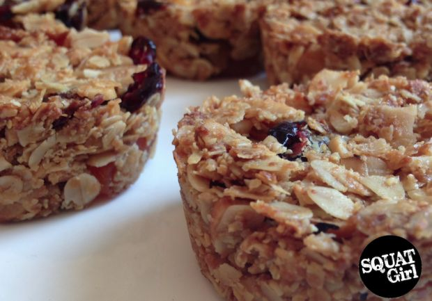 Nutrition before exercise. #recipes #healthy #food #fitness #recipe #squat #granola   Visit squatgirl.com for more.