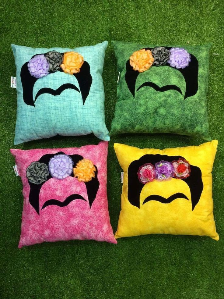 Almofadas decorativas de diversos personagens.
