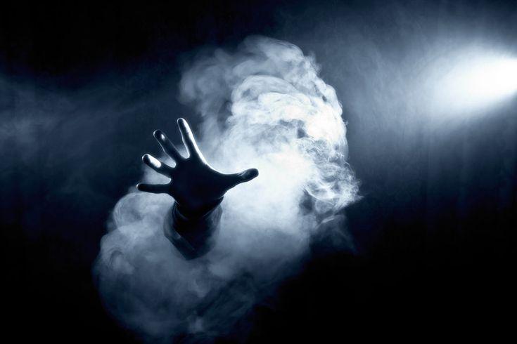 Ghost, main, fumée, lumières, effrayant, horreur, peur, fantômes, main, fumée, lumières, spooky, horreur, peur Wallpaper - ForWallpaper.com