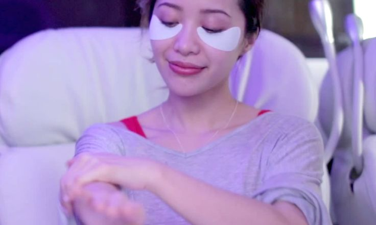 The In-Flight Beauty Routine You Should Totally Be Doing. Flying home for the holidays just got a lot more productive.