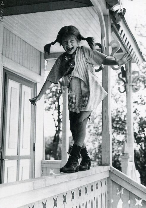 Pippi Langstrumpf. Lass Dich nicht unterkriegen. Sei frech und wild und wunderbar. (Astrid Lindgren), Pippy Longstocking, be wild, be wonderful, don't be afraid of anything!
