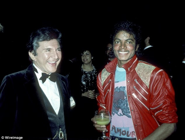 VIDEO: Scott Thorson Goes From 'Behind The Candelabra' To 'Behind The Pale' With Michael Jackson Claim - http://bestmoviesevernews.com/best-movies-ever-social-fbtwit/video-scott-thorson-goes-from-behind-the-candelabra-to-behind-the-pale-with-michael-jackson-claim/-Liberaces one time toy-boy companion Scott Thorson claims had an even more famous lover  in the shape of late superstar Michael Jackson. The man  whose memoir inspired HBOs Behind the Can