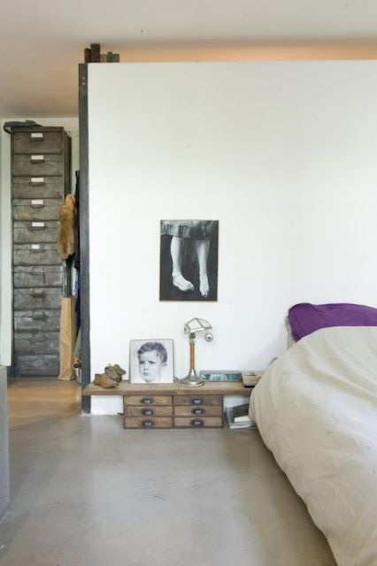 simpleGuest Room, Simple Bedrooms, Bedrooms Design, Interiors, Bedside Tables, Small Room Decor, Concrete Floors, Bedrooms Decor Ideas, Chest Of Drawers