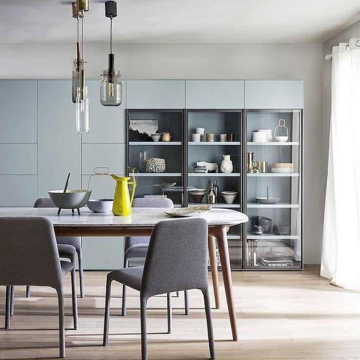 Minimalistische Design Stühle Für Wohnzimmer Und Esszimmer Aus Holz Und  Metall, Mit Oder Ohne Polsterung.