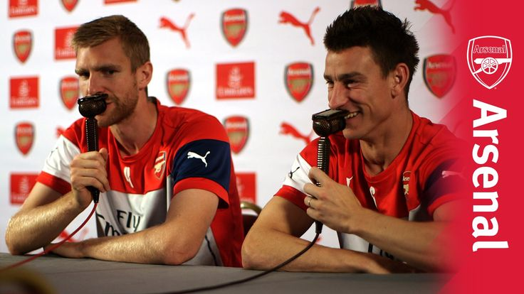 UnClassic Commentary with Per Mertesacker and Laurent Koscielny.  Video.