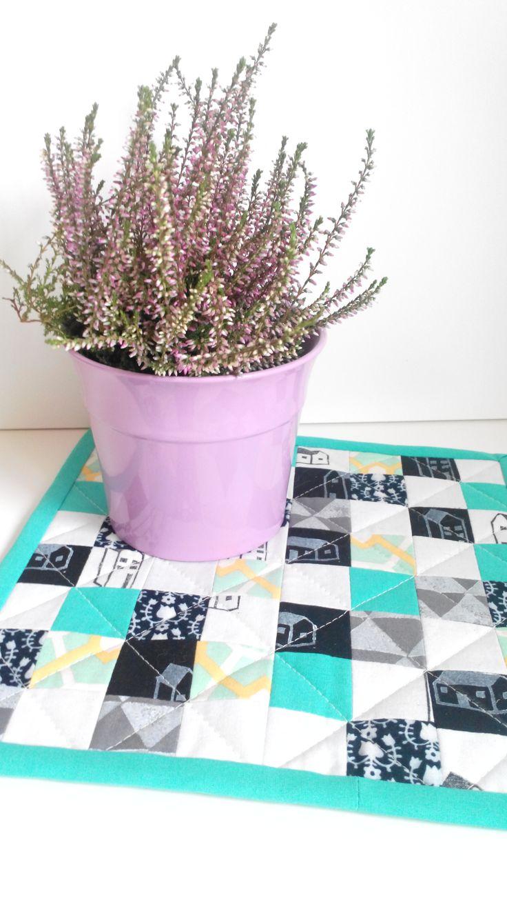 scrapy patchwork pot holder