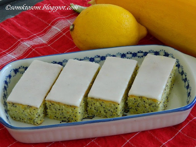RECEPTY Z MOJEJ KUCHYNE: Cuketové rezy s makom a citrónovou polevou - zucchini-poppy seeds cofee cake
