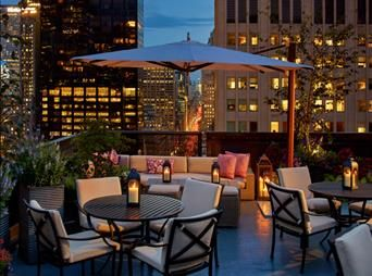 Ideal venue for casual meetings or business lunches - Exclusive upscale Restaurants & Lounges in midtown New York