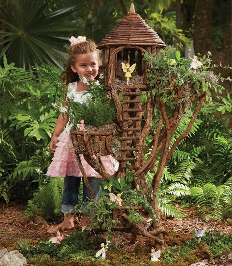 Ordinaire Fairy Garden Tree House   Good Inspiration For Perhaps A Simpler Version In  A Small Corner Of The Yard.
