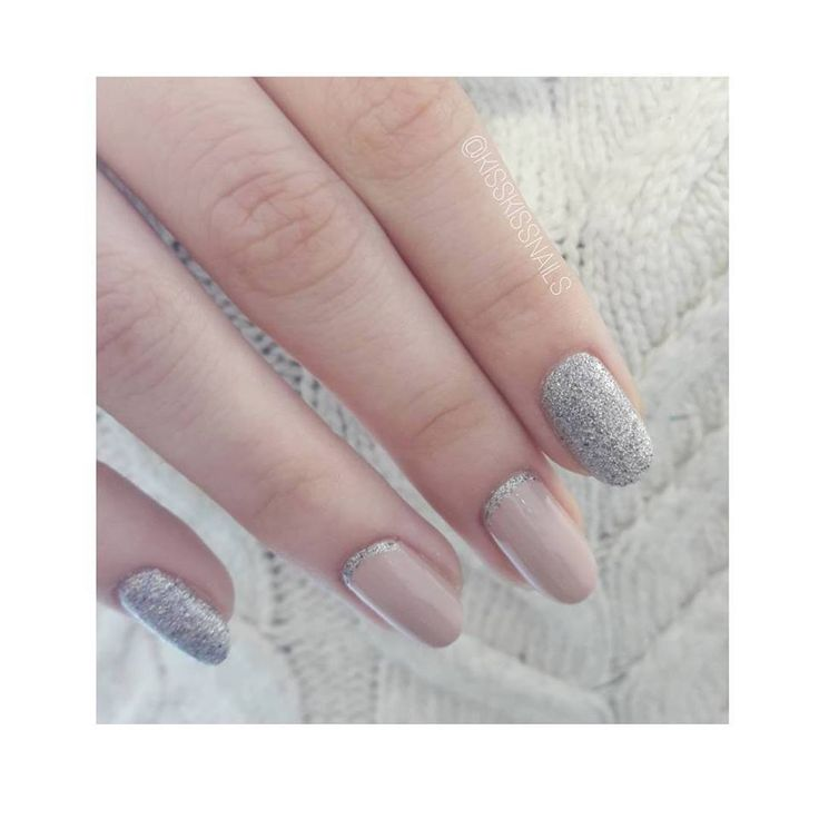 Sweet, girly & sparkling!!! Y E S 🎯🎯🎯 . . #kisskissnails #beautylounge #nailsoftheday #girly #girlynails #nails2018 #instanailstyle