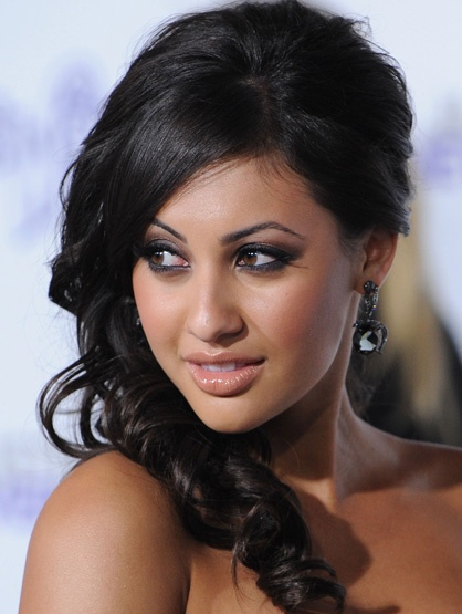 francia-raisa-love her eyebrows!!!