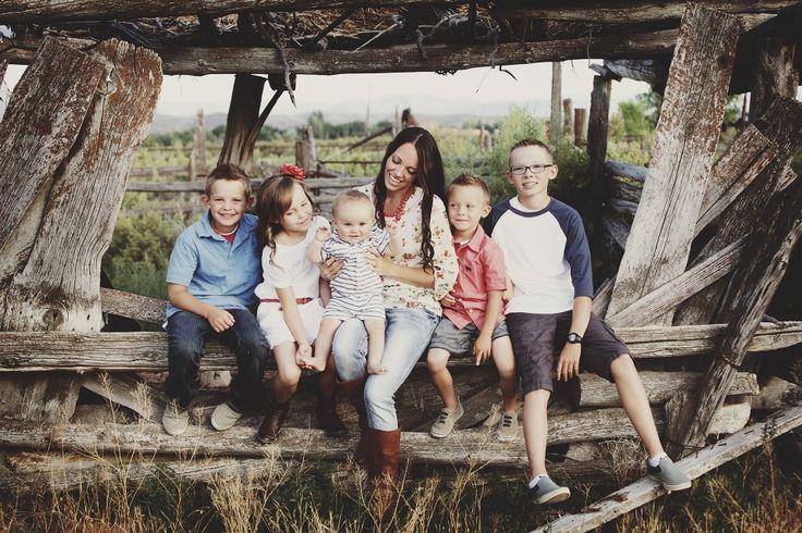 #familyportraits #portraits Holly_Christine_Imagery_Utah_family_portraits_Hills_0018
