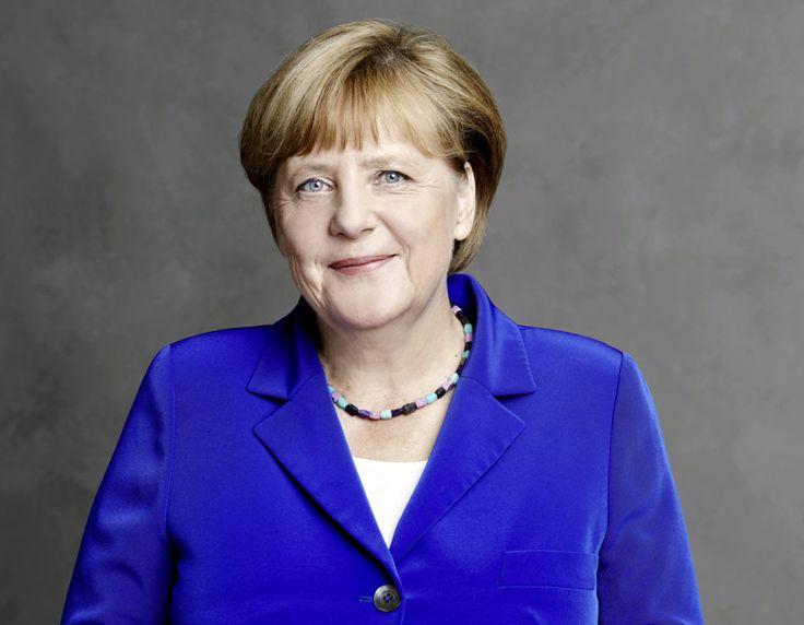 7 Tipps zu Social-Media-Kommunikation & Politik : Wie viel Meinung tut dem Job gut? - Auch im Jahr 2017, gerade auch im Vorfeld der Bundestagswahl, ist dies immer noch ein Thema für viele: Wie kommuniziert man richtig in Sozialen Netzwerken? Wie trennt man berufliche, private & politische Aspekte - schließlich hat sich auch Angela Merkel im Wahlkampf ungewohnt privat gezeigt. Und sind politische Äußerungen schädlich für den Job?   Top500 & biggest English Blog &