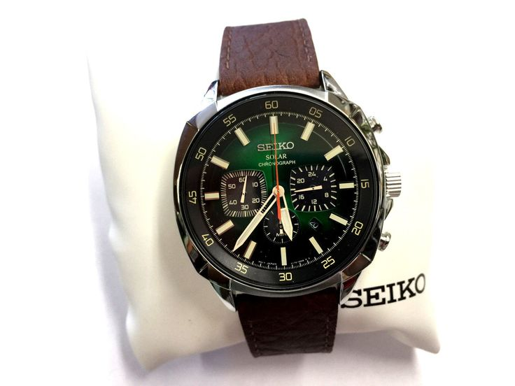 New Seiko Solar Chronograph Brown Leather Strap Green Dial Mens Watch SSC513