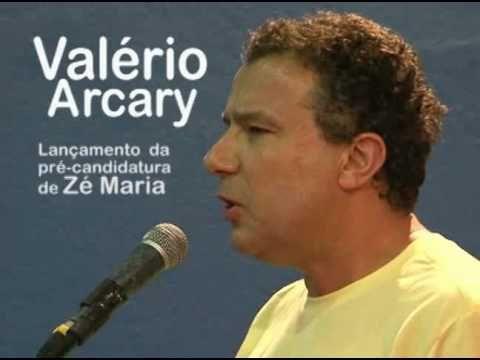 Valério Arcary discursa no ato de lançamento da pré-candidatura de Zé Ma...