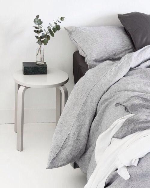 imm24:  Minimalist bedroom perfection by the always amazing @mydubio