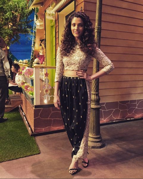 Saiyami Kher In A Beautiful Outfit In A Kapil Sharma Show ,For Mairzya promotion