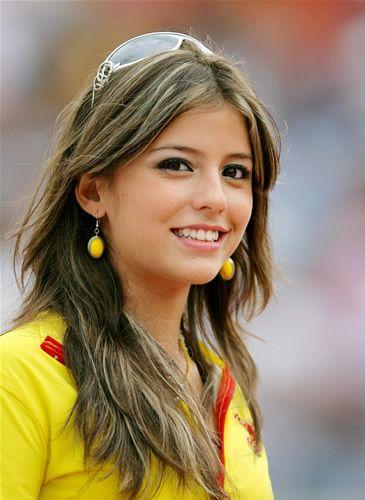 W杯エクアドル代表の応援のお姉さん。めっちゃ好み!