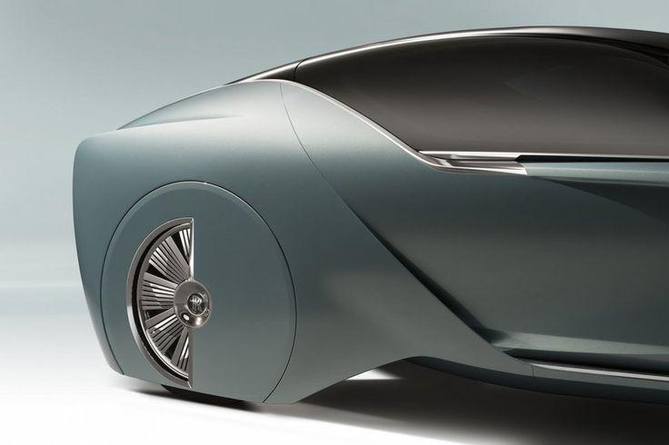 28인치 크기의 휠은 65개의 알루미늄 조각을 갖고 수작업으로 제작했다.