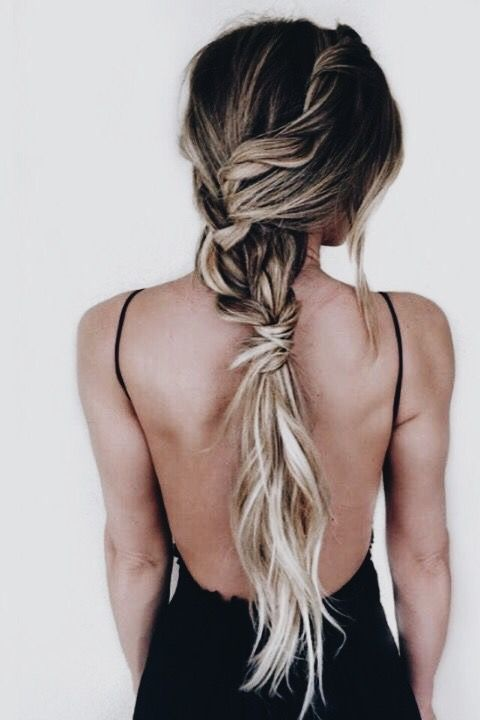 unique updo | low ponytail, braids, twists, long hair ,hairstyle, hair inspiration, everyday, bayalage, balayage, easy, diy ideas, casual, minimalist, minimalism, minimal, simplistic, simple, modern, contemporary, classic, classy, chic, girly, fun, clean aesthetic, bright, pursue pretty, style, neutral color palette, inspiration, inspirational, diy ideas, fresh, stylish,