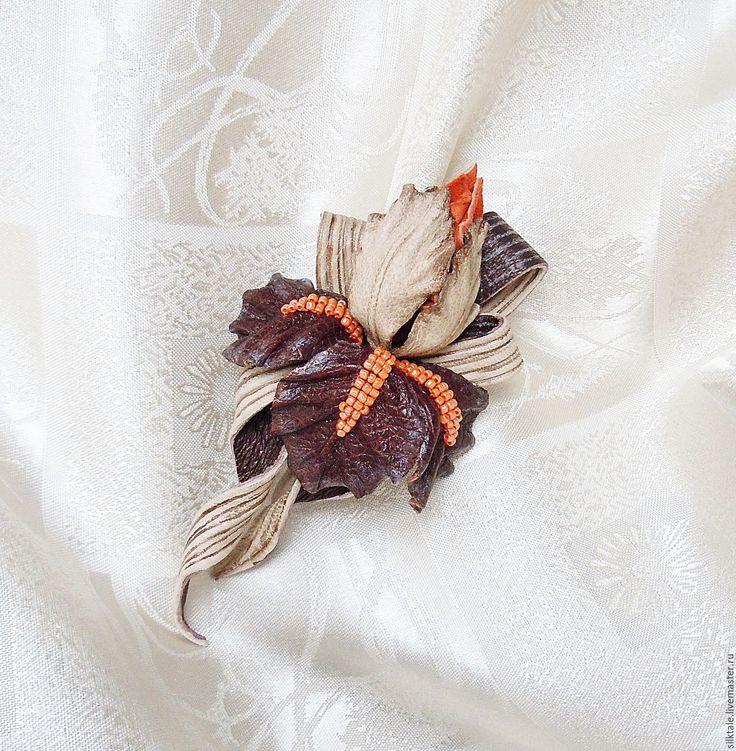 Купить Цветы из кожи Ирис Винтажный стиль Украшение из кожи - брошь из кожи, кожа натуральная
