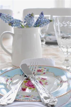 •._.••´¯``•.¸¸.•` ĴÚŚŤ ĂĎŐŔĂβĹĔ! `•.¸¸.•´´¯`••._.•Spring table