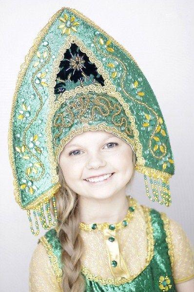 """A smiling Russian girl in national headdress """"kokoshnik"""". #cute #kids #Russian #folk"""