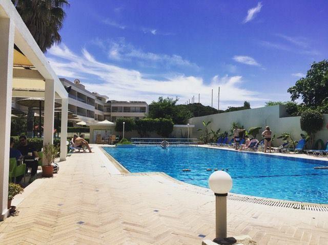 Relaxing by the pool | 🌴🍺☀️ #koshotel #kosisland #summerisback  www.koshotel.gr