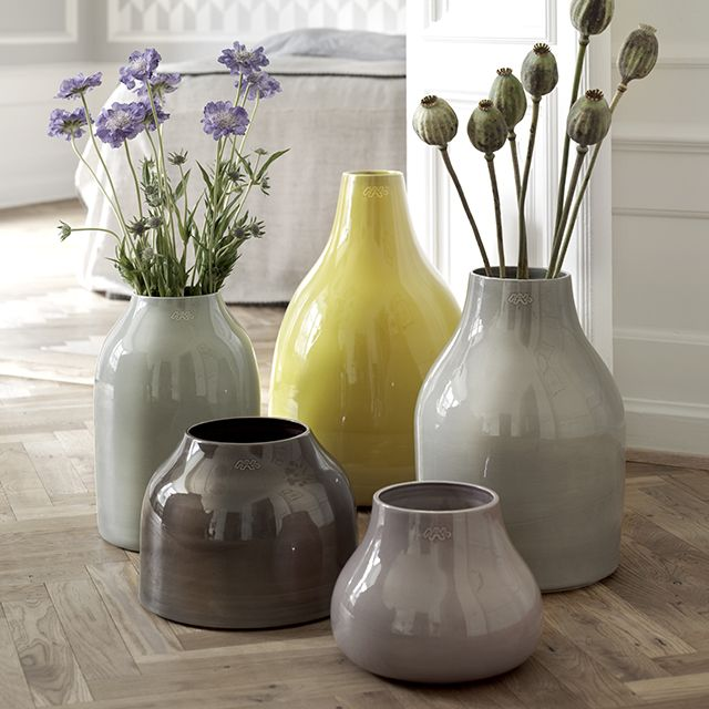 The beautiful, voluminous botanica vases of faience were designed for the modern home - a series of ceramics, which appreciates the delicate balance between the functional aspect and the aesthetics of the wonderful world of ceramics.