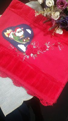LOY HANDCRAFTS, TOWELS EMBROYDERED WITH SATIN RIBBON ROSES: NATAL E PAPAI NOEL