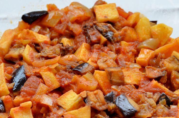 ŞAKŞUKA, czyli sałatka jarzynowa wsosie pomidorowym