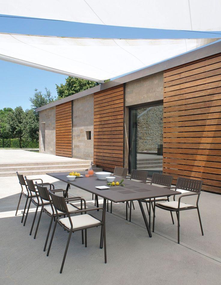 Tavolo allungabile da giardino rettangolare in acciaio BRIDGE | Tavolo allungabile by emu