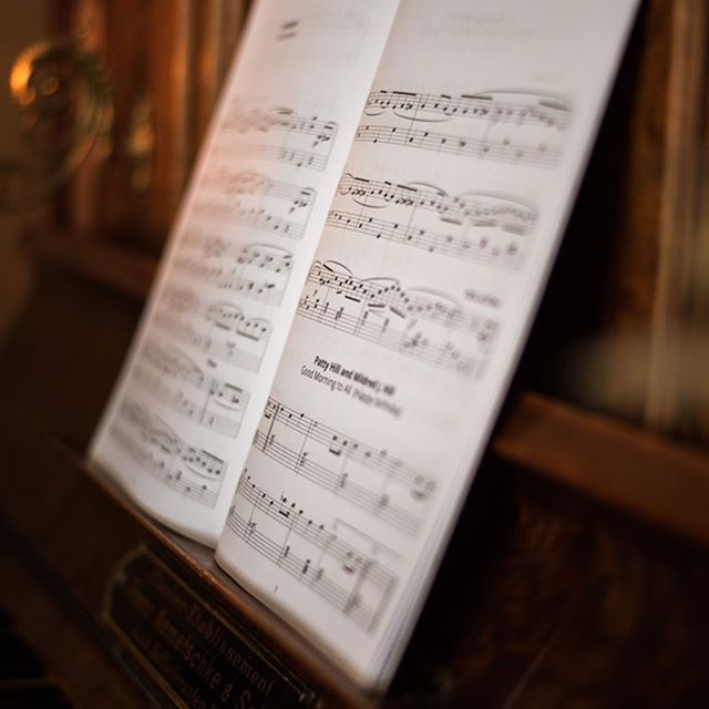 All the keyboard instruments are provided with free music sheets from MUZIKER - Famous classical and traditional folk songs for piano beginners. #freestuff #musicsheet #keyboard #piano #muziker