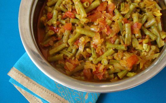 Barbati Tomato Kura – Yard long beans with tomato