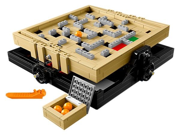 Display your skill and creativity with this 2-in-1 customizable Maze!