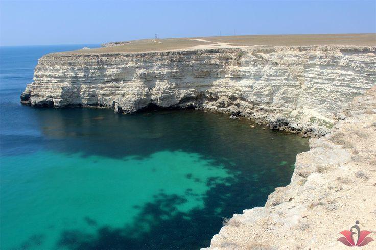 Я знала, что Крым - это райский уголок. Но сегодня, я увидела потрясающе красивые места!  Убедитесь в этом сами! Я сделала очень много снимков, но показать вам смогу только малую часть из них((