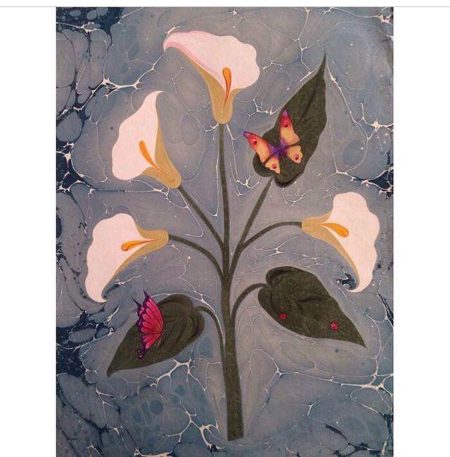 Gala çiçeği ebrusu, üzerinde kelebek ve Uğur böceği minyatürü ile. Minyatür: Gürsoy Uğurlu Ebru: Firdevs ÇAlkanoğlu #marbling #ebru #art